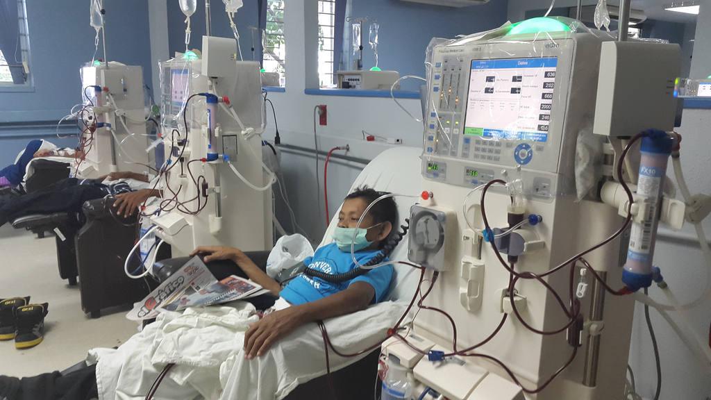 Efraín Reyes del Cid permanece en hemodiálisis en el hospital Rosales.