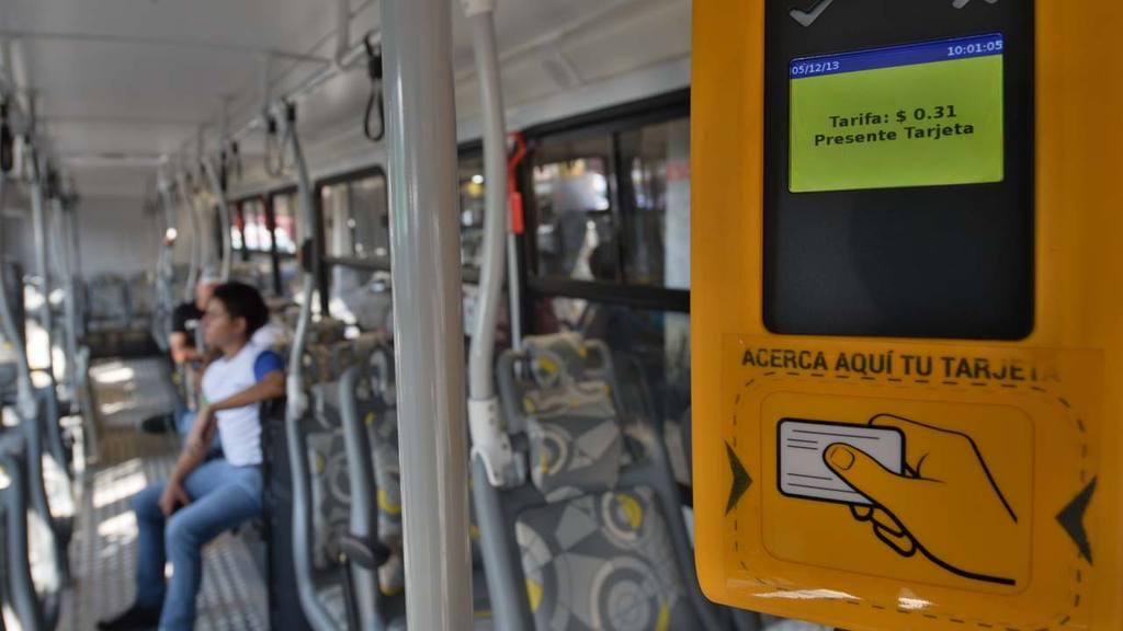Los empresarios que brindan servicio en el área metropolitana tienen hasta junio para instalar los validadores en sus unidades.