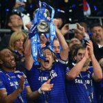 El plantel del Chelsea celebrando la obtención de la Premier League 2014/15.