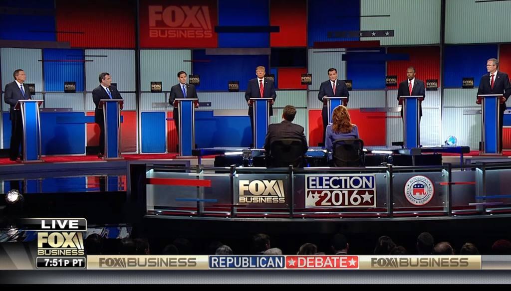 Los candidatos del Partido Republicano a hacerse con la nominación a la presidencia de EE.UU. durante su penúltimo debate, ayer.