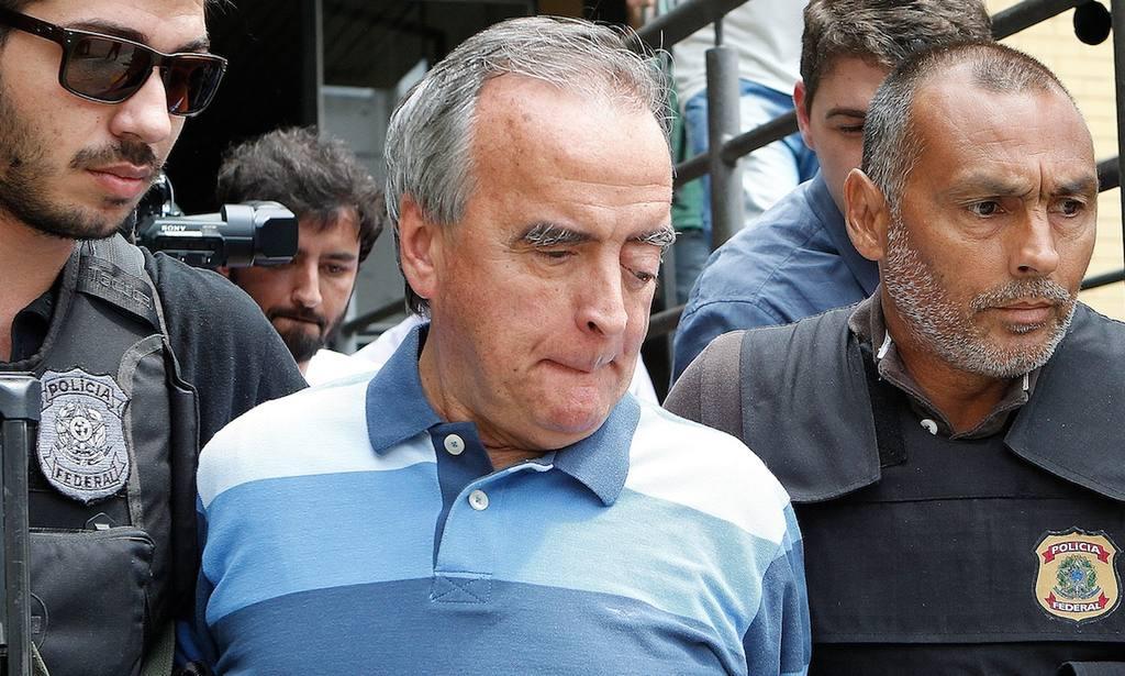 El exdirector del Área Internacional de Petrobras, Néstor Cerveró (c).