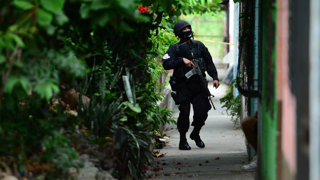 Homicidio  policÌa  La Campanera