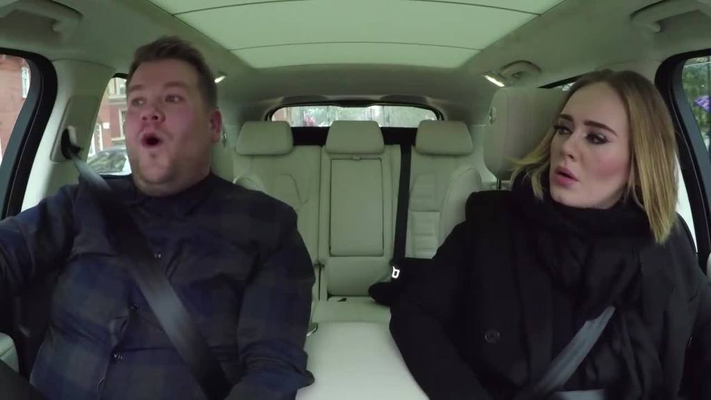 """Adele canta """"Hello"""" en el auto de James Corden"""