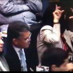 El parlamentario Elías Jaua (iz) junto a la esposa del gobernante Nicolás Maduro, Cilia Flores (der).