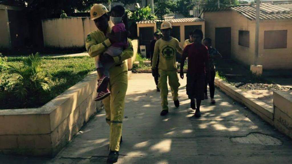 Comandos de Salvamento se encargó de auxiliar y trasladar a las cinco víctimas de intoxicación en el municipio de Alegría, Usulután el sábado anterior.