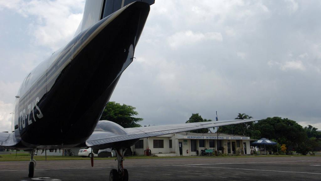 La gremial señala que muchas acciones de la AAC van en detrimento del desarrollo aeronáutico en el país.