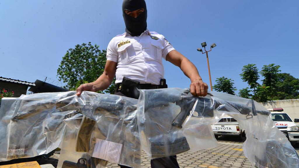 Captura presuntos pandilleros con armas en Lourdes