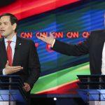 Los precandidatos republicanos Marco Rubios (iz) y Donald Trump.
