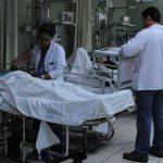 Los médicos insisten en sustitución del director por mala gestión administrativa.