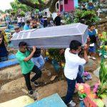 Homicidio estudiante , entierro en Sonsonate.