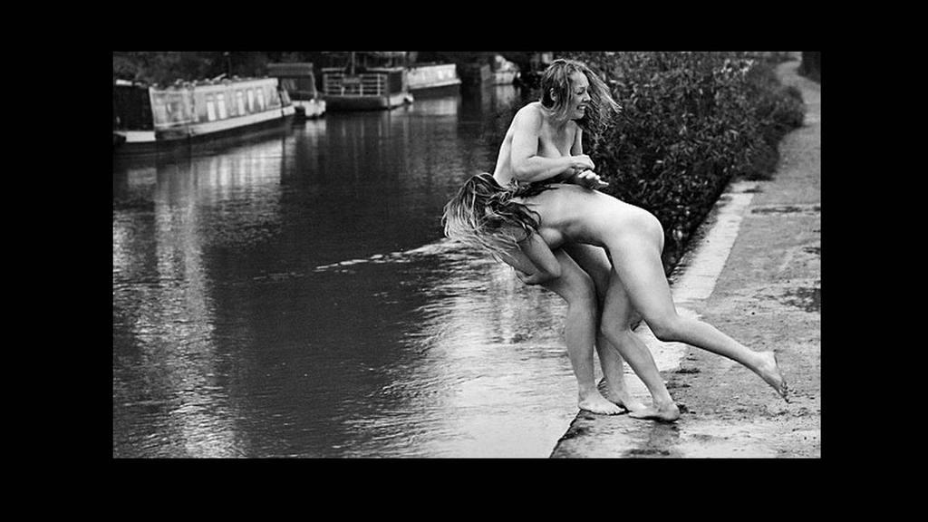 Desnudos contra la anorexia