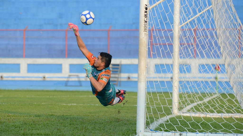 La Universidad de El Salvador (UES) y Juventud Independiente empataron 0-0