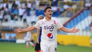 Alianza derrotó tres goles a cero al santaneco FAS.