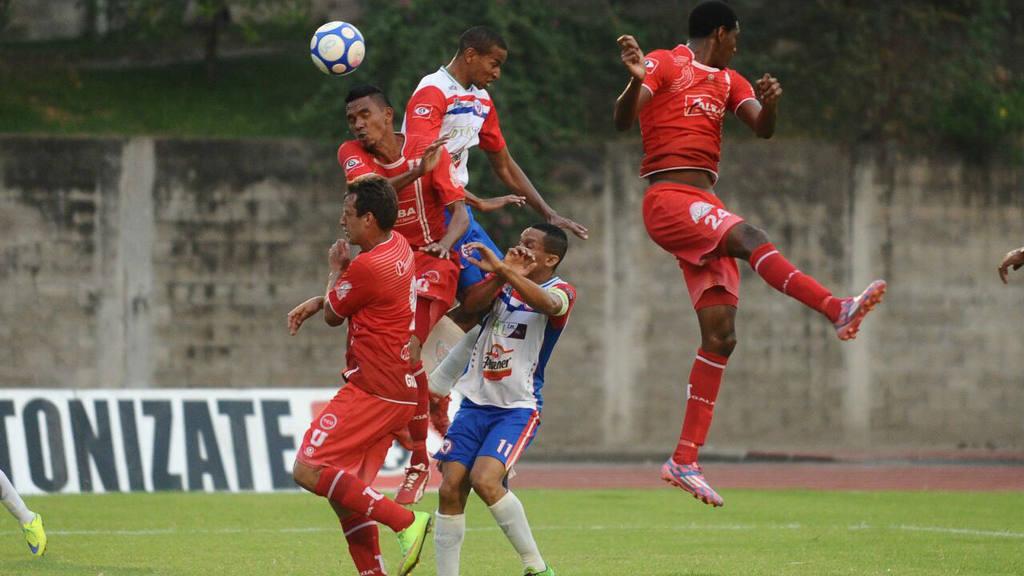 La UES venció 2-1 a Juventud
