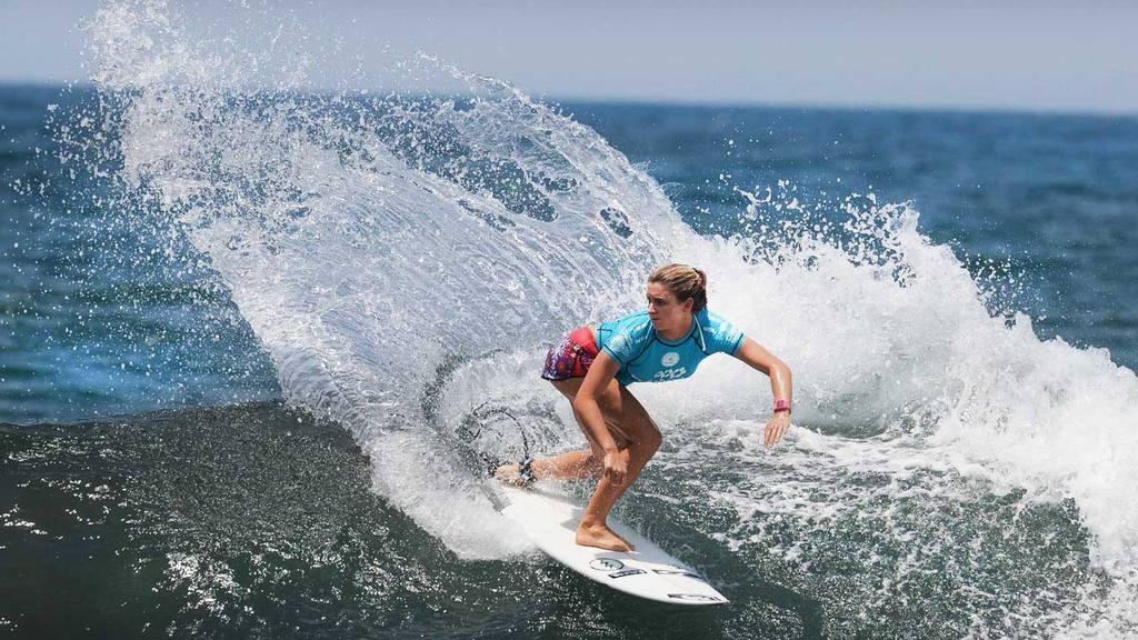 El Salvador Impresionante 2016 QS6K Women Series Surf femenino