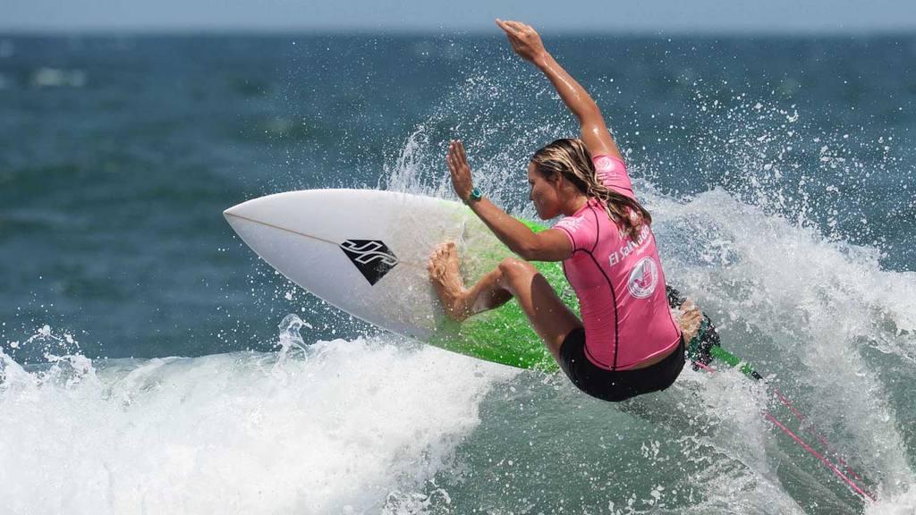 �El Salvador Impresionante 2016 QS6K� Surf femenino