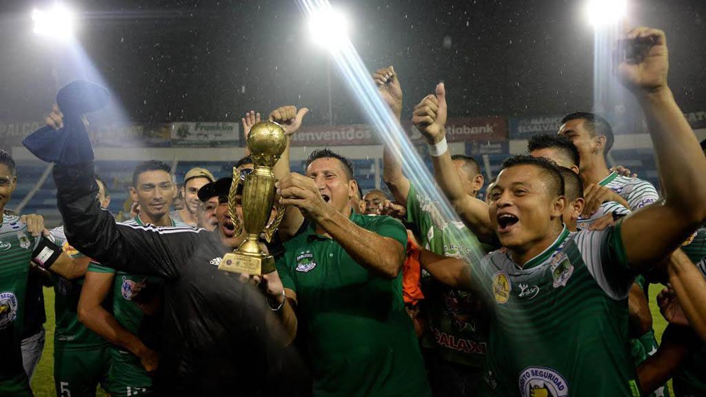 Dragón campeón de la Copa Burra Rivas