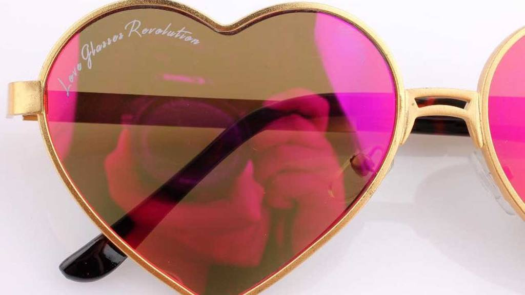 Love Glasses Revolution