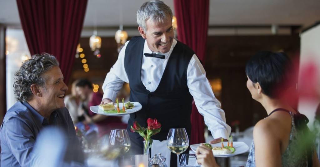 Con el camarero del hotel - 2 part 3