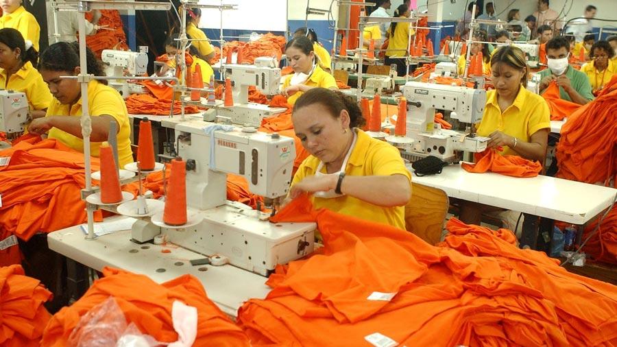 Las exportaciones del sector textil y confección representan el 44 % dentro  de las exportaciones totales del país. 5862483987142