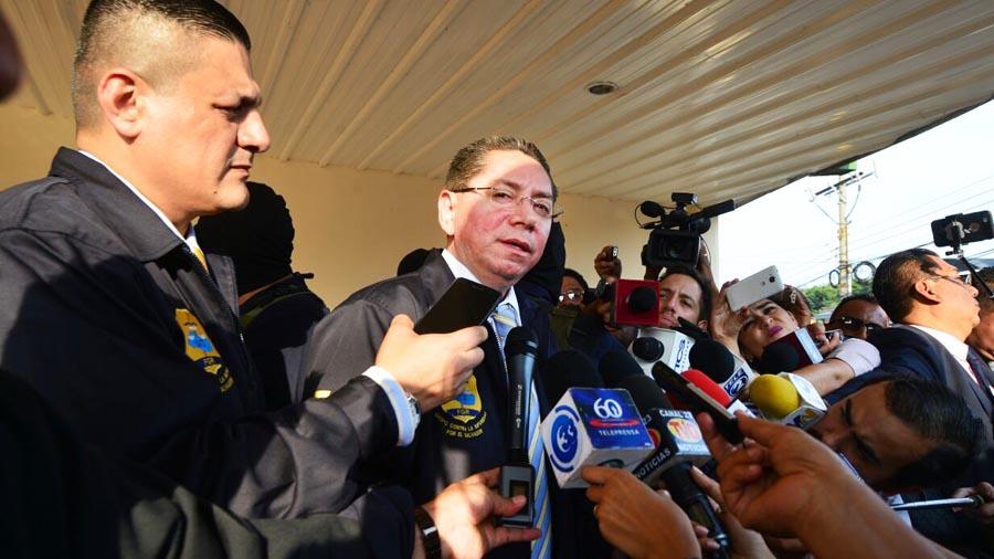 El Fiscal General de la República Douglas Meléndez brinda declaraciones sobre los allanamientos y captura de José Adán Salazar