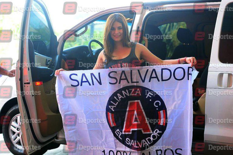 Carolina Padrón víctima de la violencia en El Salvador