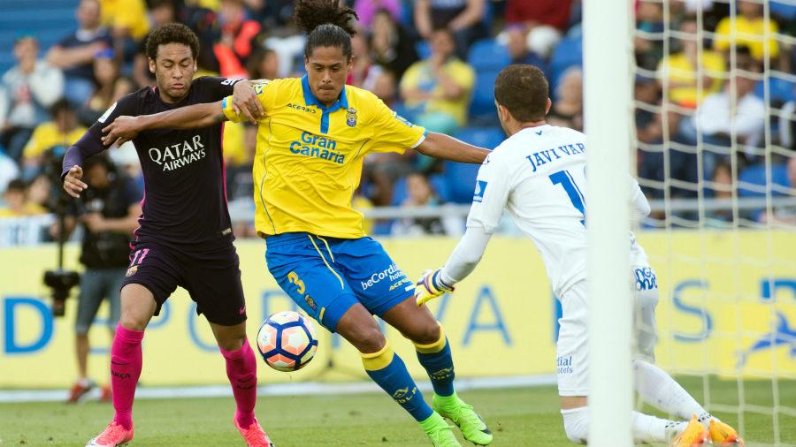 Picardía del Real Madrid mantiene la pelea con el Barcelona