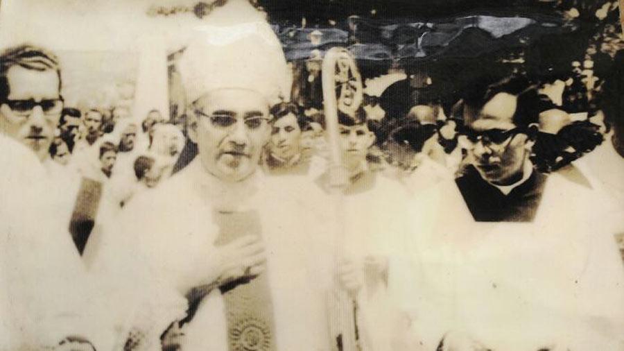 Monseñor-Gregorio-Rosa-Chávez_15