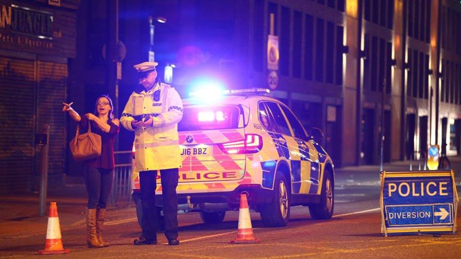 Atacante no actuó solo; varios arrestos — Manchester
