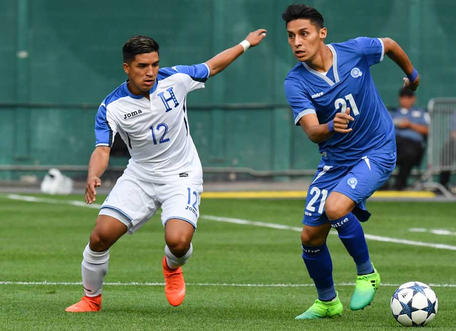 27-5-2017 - Amistoso El Salvador 2 Honduras 2. El-Salvadors-Bryan-T-15427638