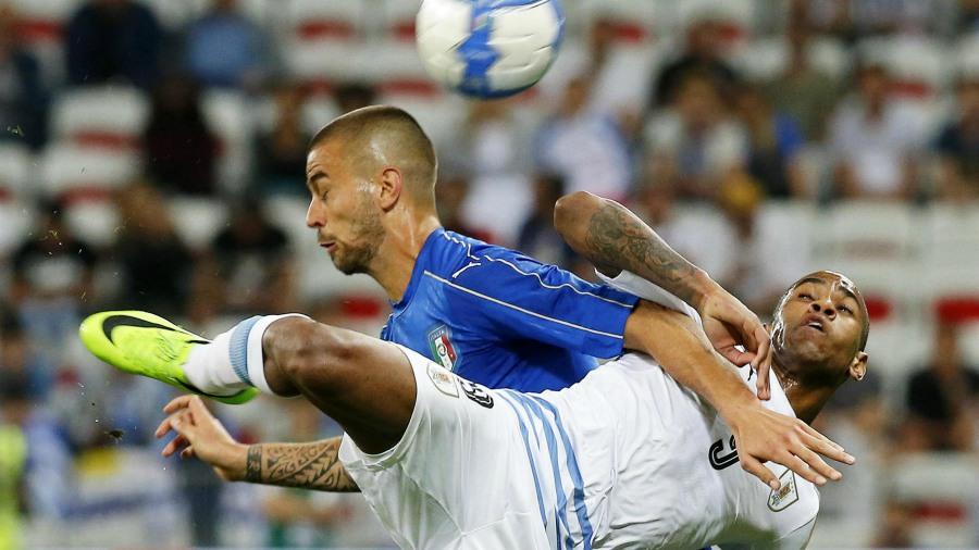 La selección de Italia derrota 3-0 a Uruguay en duelo amistoso