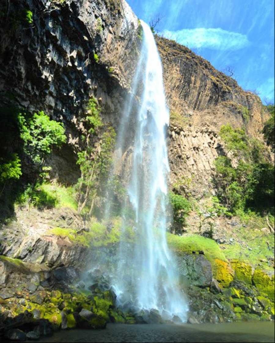 Im genes de 7 cascadas impresionantes de el salvador for Fotos cascadas