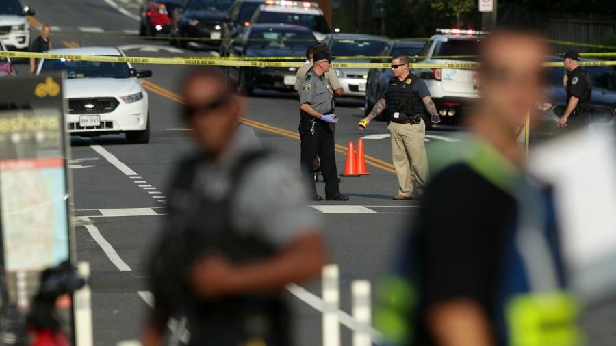 Trump realiza visita sorpresa a congresista republicano herido en tiroteo
