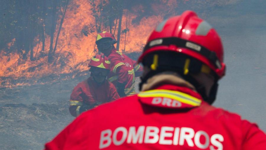 Incendio en Portugal sigue fuera de control; desalojan varias aldeas