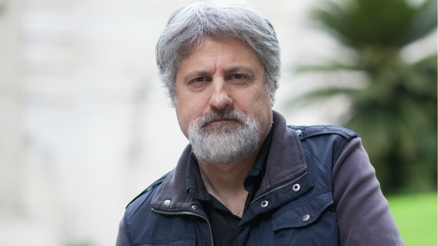 Gustavo malajovich da vida a serie de hbo - El jardin de bronce serie ...