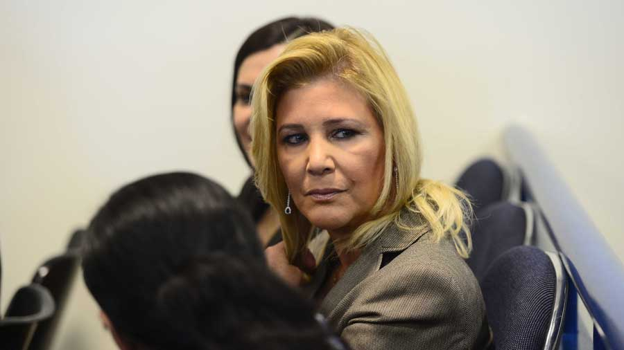 Declara en rebeldía a esposa de expresidente Saca — El Salvador