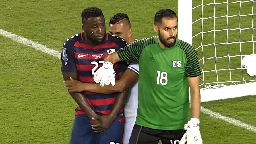 CONCACAF sanciona a Henry Romero y Darwin Ceren. SANCI%C3%93N-HENRY-ROMERO-COPA-ORO-2017