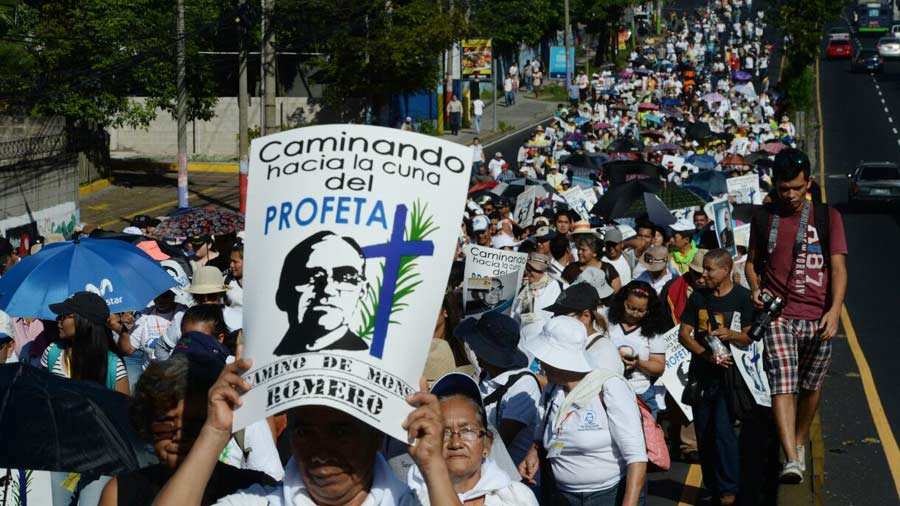 Celebran caminata por el centenario del beato Óscar Arnulfo Romero