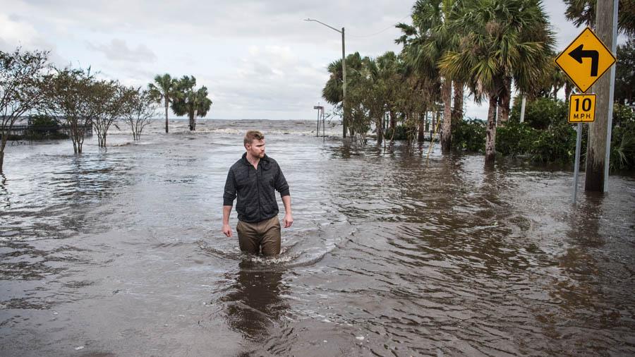 EEUU manda portaaviones a los Cayos — Huracán Irma