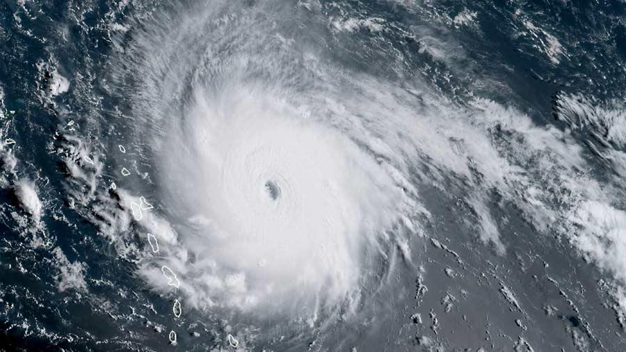 Cayos de Florida comienzan a sentir los vientos huracanados de Irma