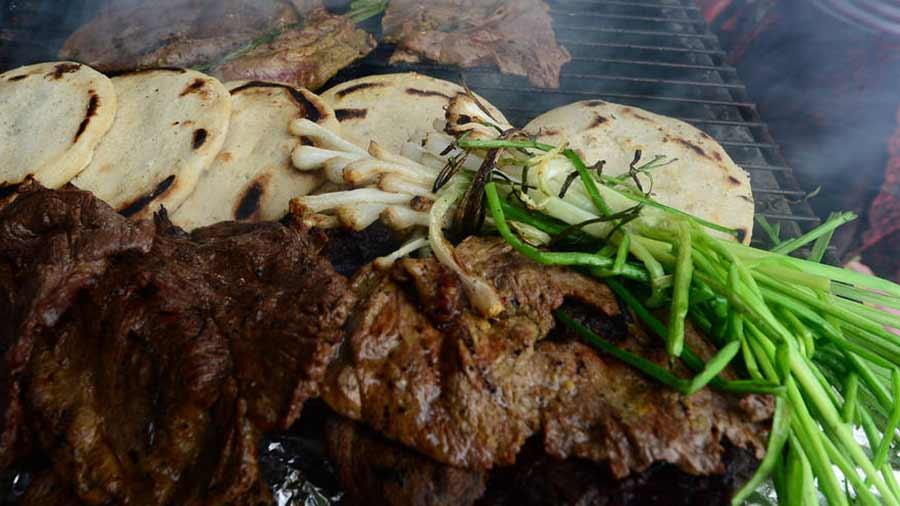 Ana LÛpez $3.00 el plato con carne