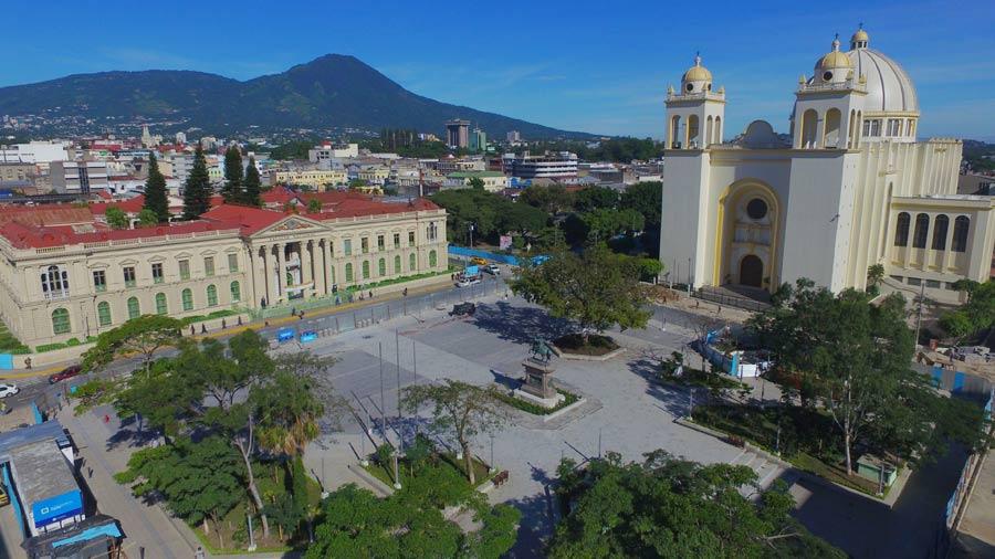 Gobierno De El Salvador En Penúltimo Lugar De Aceptación