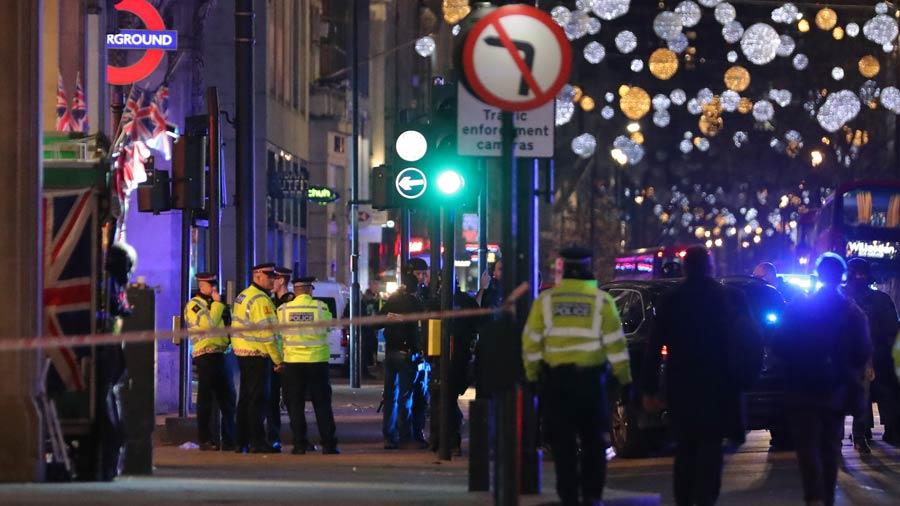 Tiroteo en Londres: la policía reabre las estaciones de metro