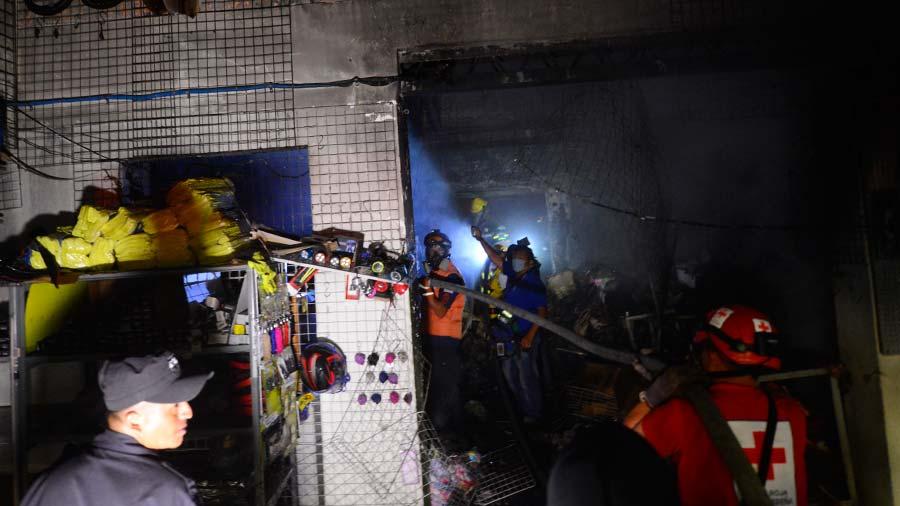 incendio en edificio pacífico,tienda Changai.