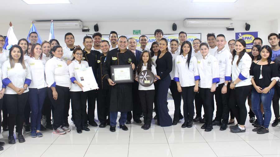 Resultado de imagen para Ricardo Cardona chef marc anthony