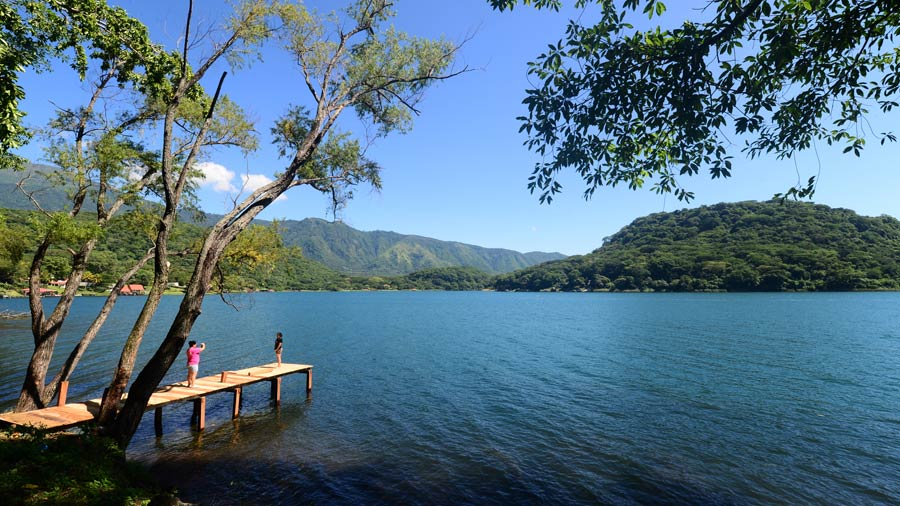 Lago-de-Coatepeque-01