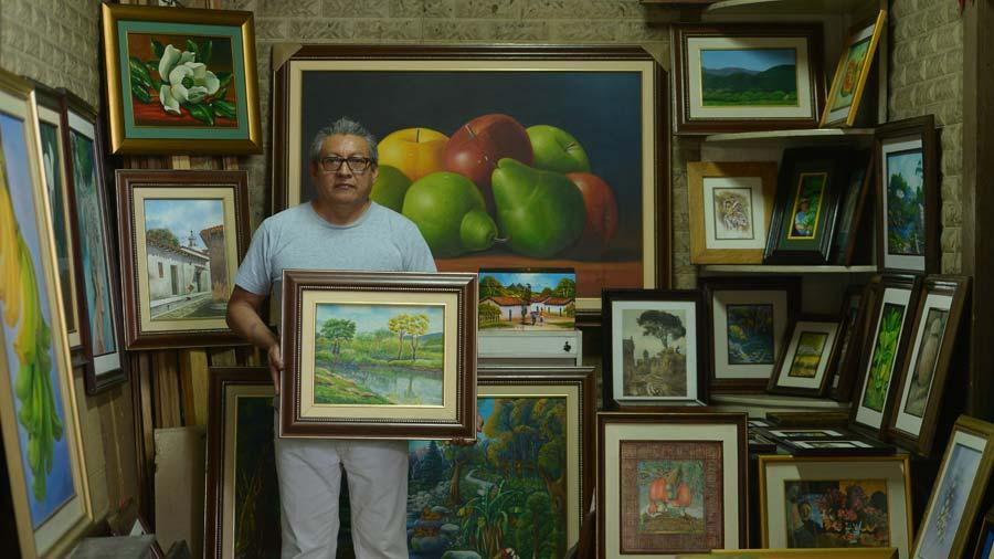 Pintodo una galería de arte permanente en el Centro de San Salvador ...