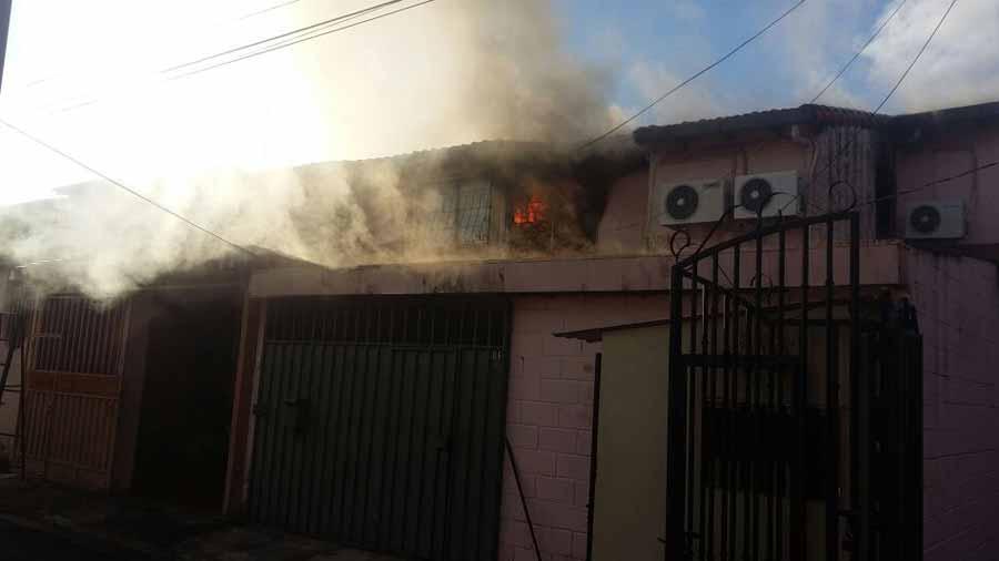 Incendio-Santa-Tecla
