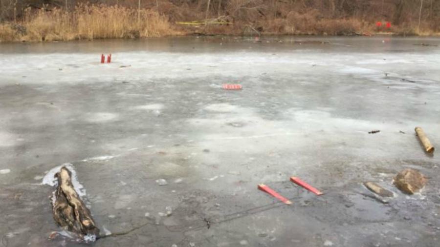 Niño muere ahogado en un lago congelado por rescatar a su amigo