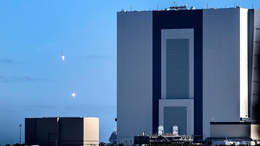 El Falcon Heavy, el cohete m·s potente del mundo, inicia su primer vuelo